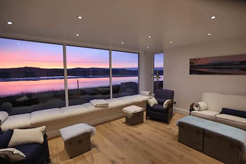 Shorepark - waterfront cottage with stunning views