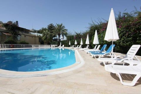 Villa avec piscine , proche de la mer