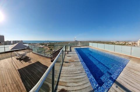 Beach Luxury Penthouse w/private heated lap pool