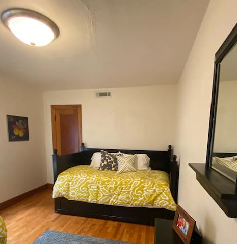 1st Bedroom - Twin Size Trundle Bed