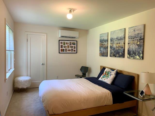 Oak guest room