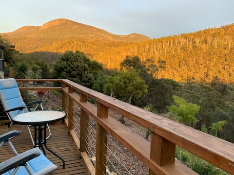 Mountain view retreat 10min to Hobart City centre