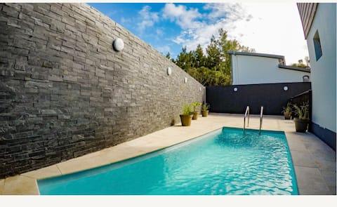 Villa cap blanc avec piscine chauffée