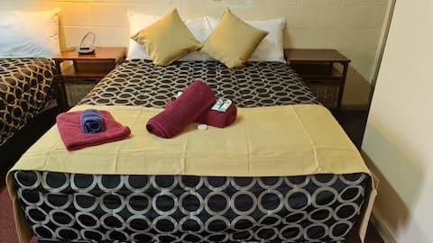 Merriwa Motor Inn best service with clean bed