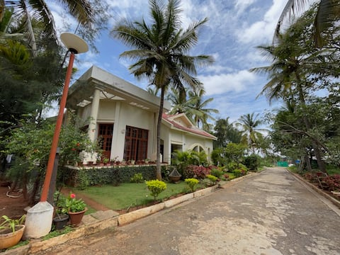 1-bedroom for two in Rural Bangalore, with b'fast