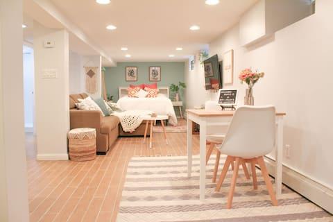 New Boho Lower-Level Studio-20 Min to Manhattan