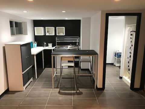 Appartement rénové, au calme, à 15 min de Montréal