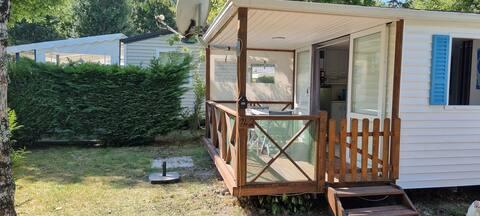 Mobil home 4 places sur camping*** familial