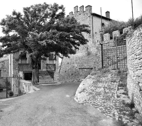 """""""le pietre silenti"""" ancient residence of 1300"""