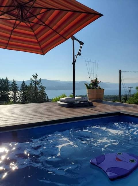 Naramata Bench with Pool and Lake View