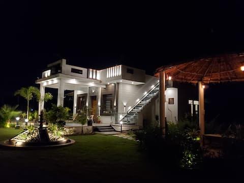 Exciting, new 1 bedroom villa - Ganpati Farm
