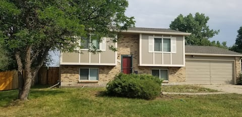 Cheerful 4 bedroom home with yard & nearby parks.