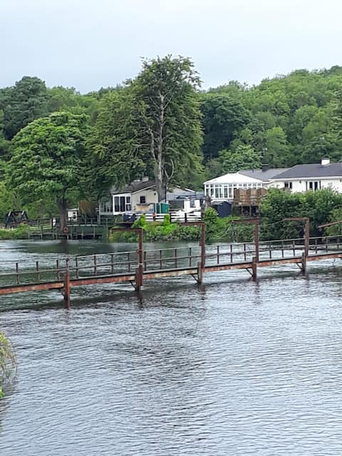 Beautiful three bedroom cottage on lough Erne.