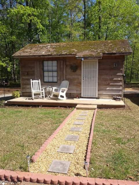 Tiny home on 2 acres b/t Hoover & Tuscaloosa