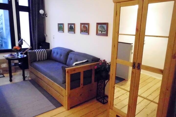 Gästezimmer mit Doppelschlafcouch im 1. OG