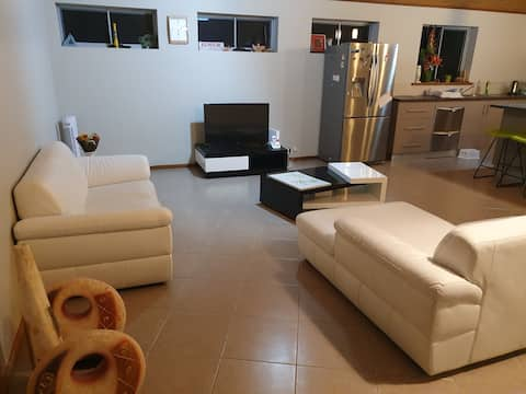 Cheerful 4 bedroomed family home