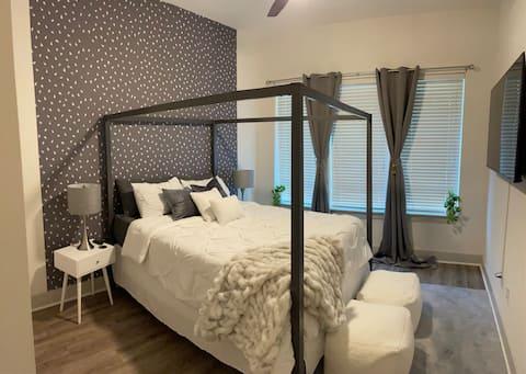 Luxurious Getaway in Buckhead w/ car rental option