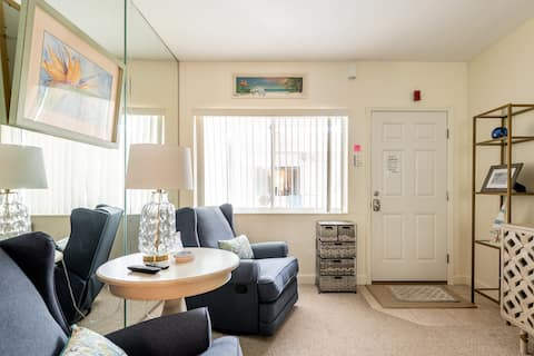 Large studio apartment on Pass a Grille Beach