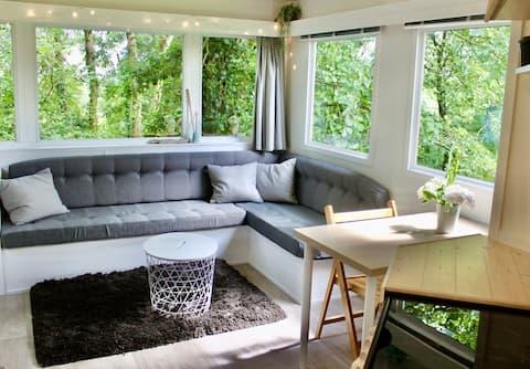 Modern lodge for 2 in beautiful North Devon