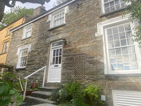 Character cottage in the heart of Snowdonia