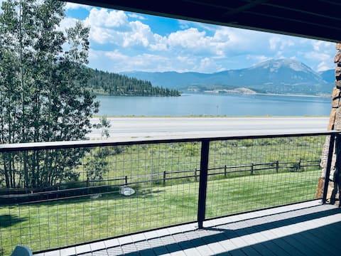 2BR/2BA Lake Dillon & Mountain Views! ONE Pet OK