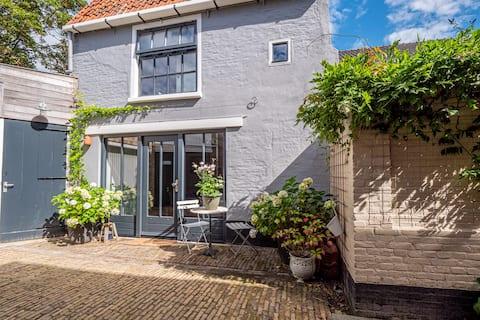 The Blauwe Doffer. Holliday home in Harlingen