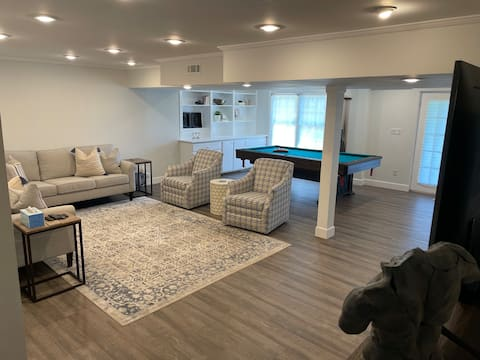 A 1 bedroom suite near the military base and mall.