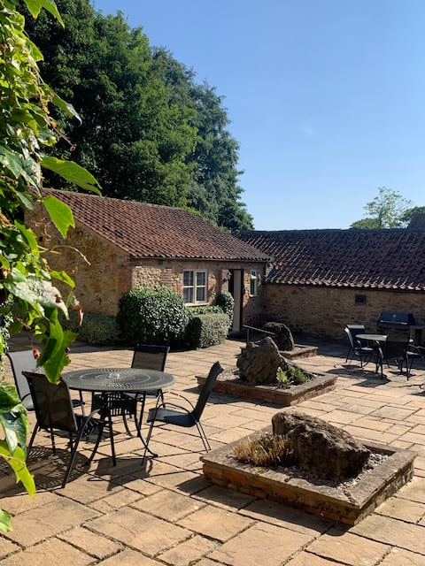 Little Mill - Studio Cottage in the Wolds