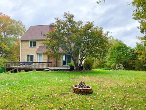 Cheerful 4 bedroom residential country home