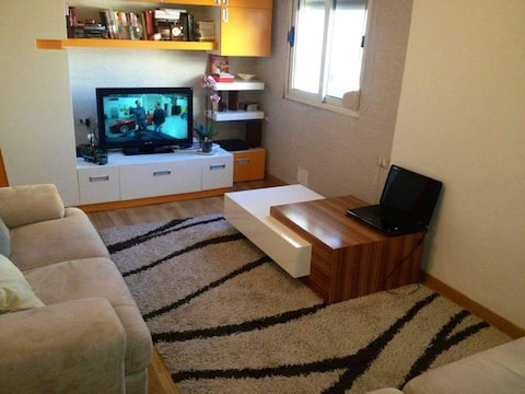 2 bedroom city unit, nearby antiquity and seaside