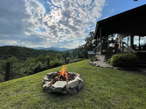 End of the Ridge Cabin with stunning views