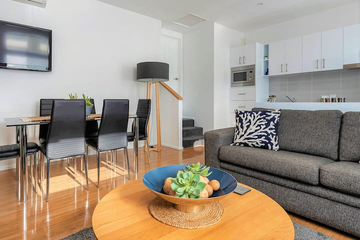 Hobart Cityscape's perfect  inner-city apartment