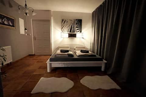 # Whirpool ♥️ relax ⚜ 365-24/7 SUNNY GARDEN HOUSE™