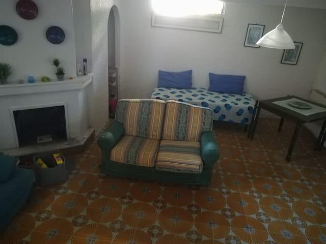 Σαλόνι 2