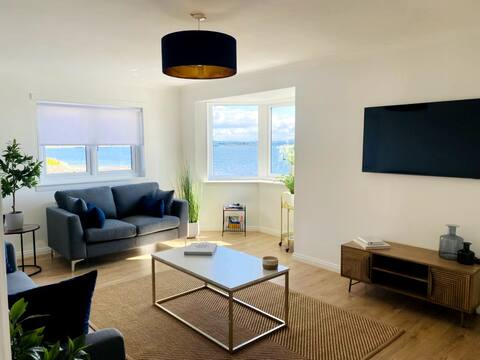 Helensburgh Beautiful 2 Bedroom Seafront Apartment