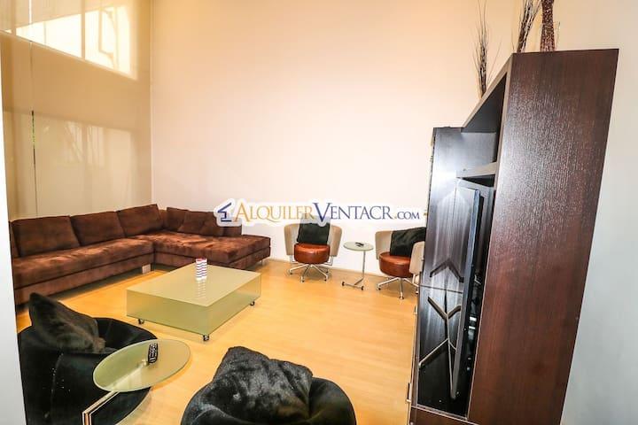 Living Room Sectional/ Sofa Secciónal