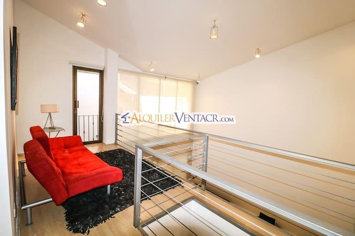 Loft and Sofa Bed/ Loft y sofá Cama