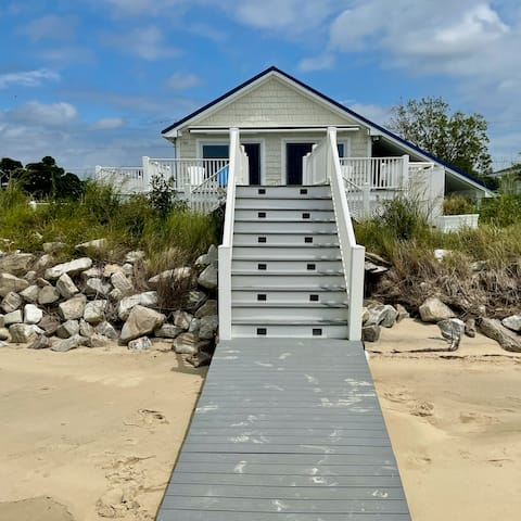 Private Beachfront Cottage with 2 Bedrooms + Loft