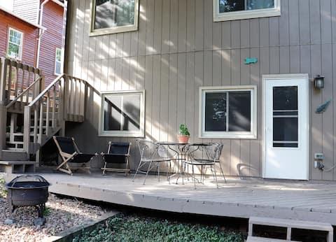 Private Apartment Near Medicine Lake