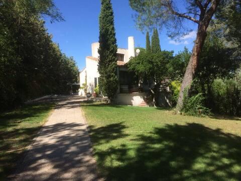 Villa rural en las afueras de Madrid