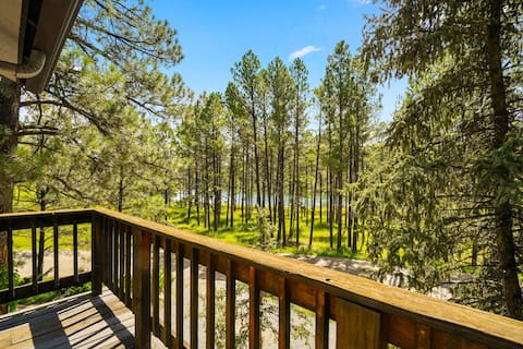 Big Deck Cabin with Lake Views, Game Rm, & Hot Tub