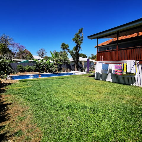 9.5m Magnapool and renovated house in Oxley.
