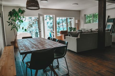 NEW *****  Secluded Beach House on Naramata Bench