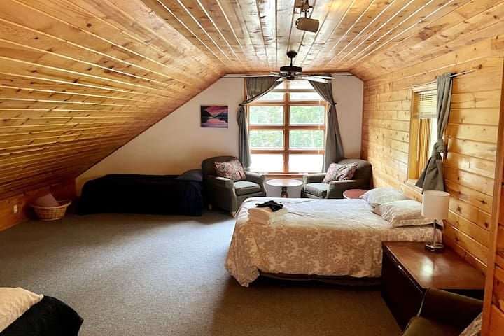 Loft with full size bed, 2 twins and space for a queen size air mattress