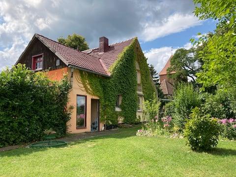Villa Kunterbunt: Urgemütlich und fast perfekt