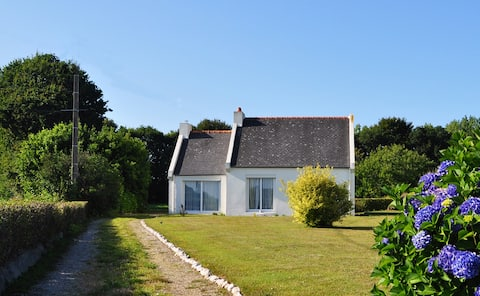 La maison de Kermaria, au calme en baie de Morlaix