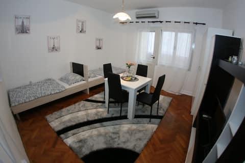 Studio Apartment Nöel