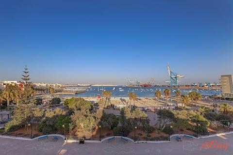 ★Gem Beachfront Apt s úžasným výhľadom na záliv a more ★