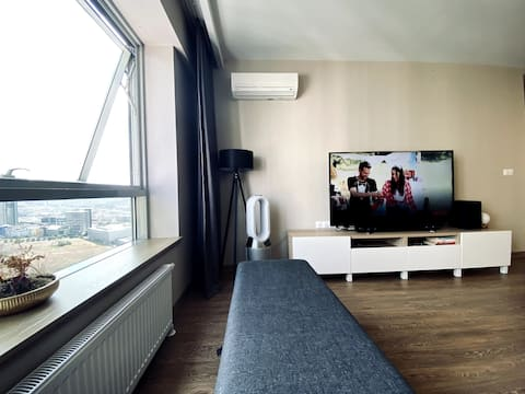 Modern & Comfortable Apartment with Sea View