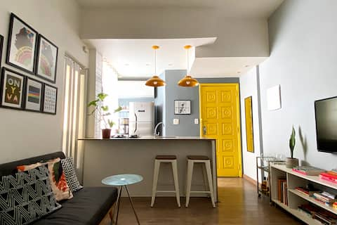 Small room in a stylish apartment at Lapa
